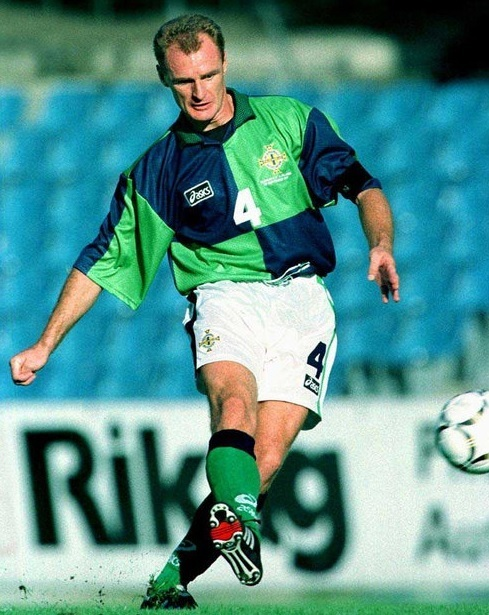 Northern-Ireland-96-97-asics-home-kit-green-white-green.jpg