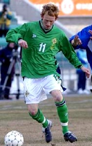 Northern Ireland-02-03-UMBRO-home-green-white-green2.JPG