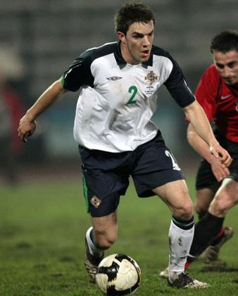 Northern Ireland-09-10-UMBRO-uniform-white-navy-white.JPG