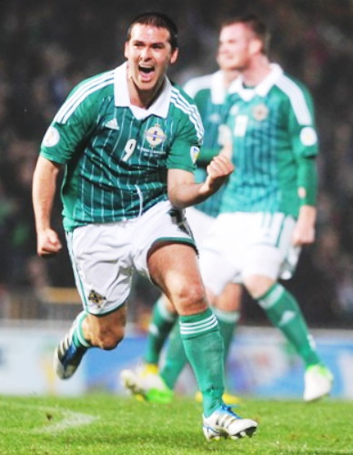 Northern Ireland-12-13-adidas-home-kit-green-white-green.jpg