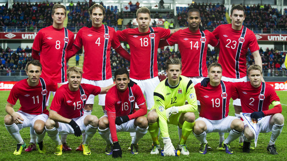 Norway-14-15-UMBRO-home-kit-red-white-white-line-up.jpg