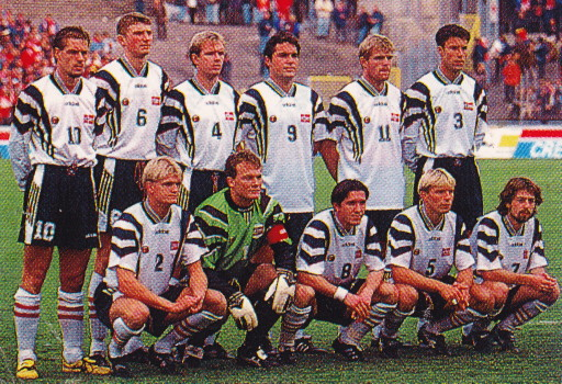 Norway-96-adidas-away-kit-white-black-white-line-up.jpg