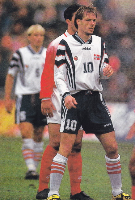 Norway-96-adidas-away-kit-white-black-white.jpg