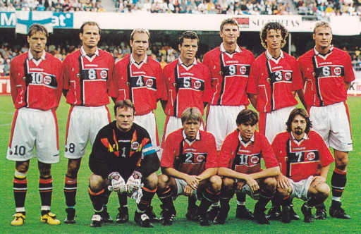 Norway-97-UMBRO-home-kit-red-white-navy-line-up.jpg