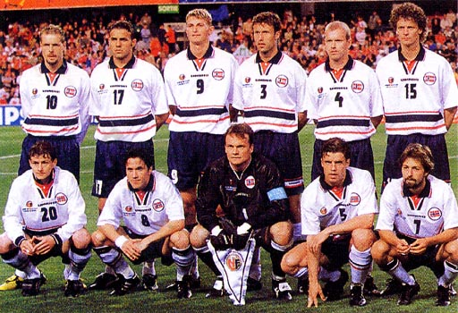 Norway-98-99-UMBRO-uniform-white-navy-white-group.JPG