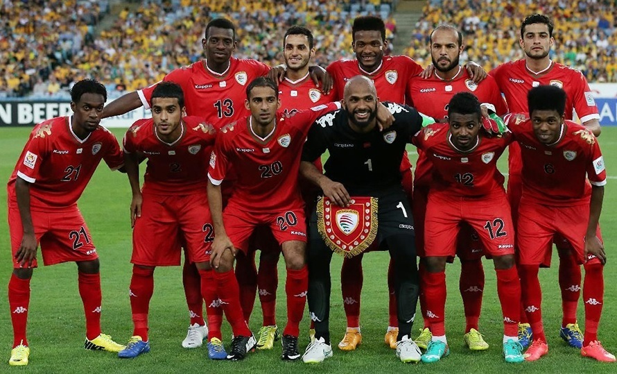 Oman-2015-Kappa-asian-cup-home-kit-red-red-red-line-up.jpg
