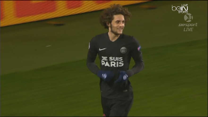 PSG-2015-NIKE-third-kit-JE-SUIS-PARIS-2.jpg
