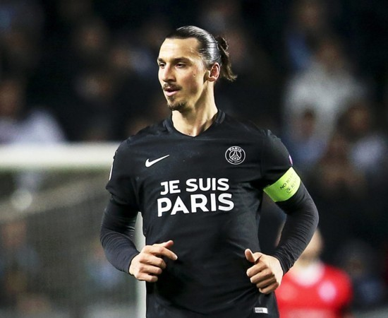 PSG-2015-NIKE-third-kit-JE-SUIS-PARIS-4.jpg