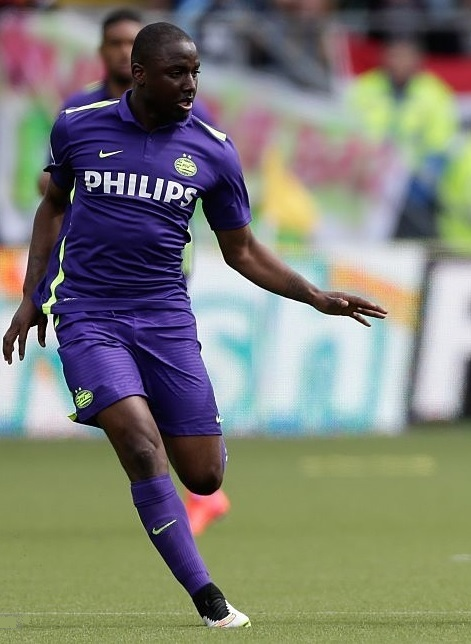 PSV-Eindhoven-2015-NIKE-Farewell-kit-Jetro-Willems.jpg