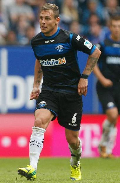 Paderborn-14-15-saLLer-first-kit-black-black-white.jpg