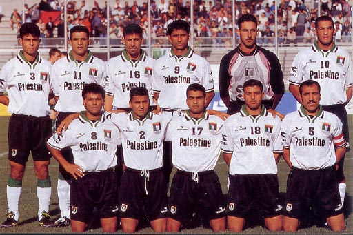 Palestine-00-DIADORA-kit-white-black-white-line-up.JPG
