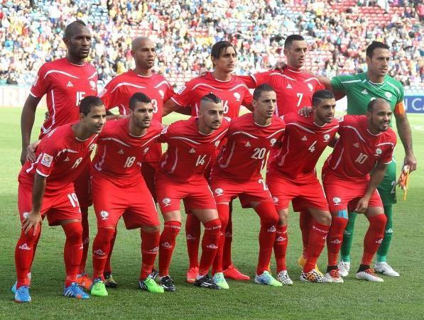 Palestine-2015-PEAK-home-kit-red-red-red-line-up.jpg