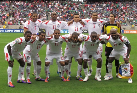 Panama-11-12-lotto-away-kit-white-white-white-line-up.jpg
