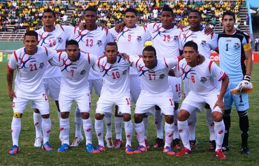 Panama-12-13-lotto-away-kit-white-white-white-line-up.jpg