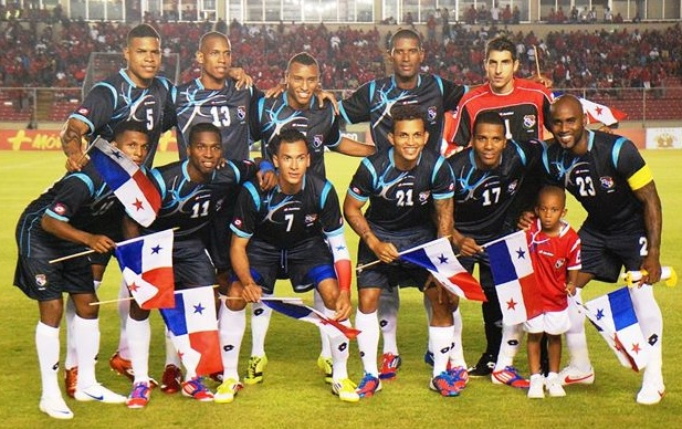 Panama-12-13-lotto-third-kit-navy-navy-white-line-up.jpg
