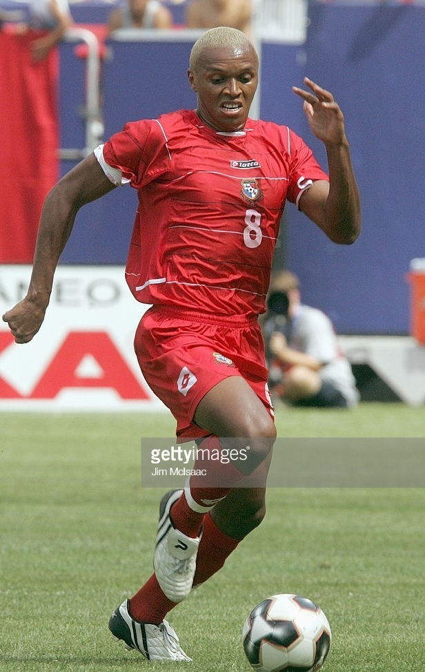 Panama-2005-lotto-home-kit-red-red-red.jpg