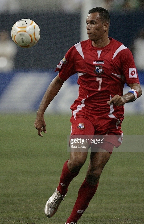 Panama-2007-lotto-gold-cup-home-kit-red-red-red.jpg