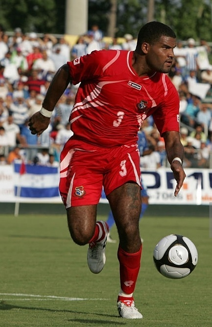 Panama-2009-lotto-home-kit-red-red-red.jpg