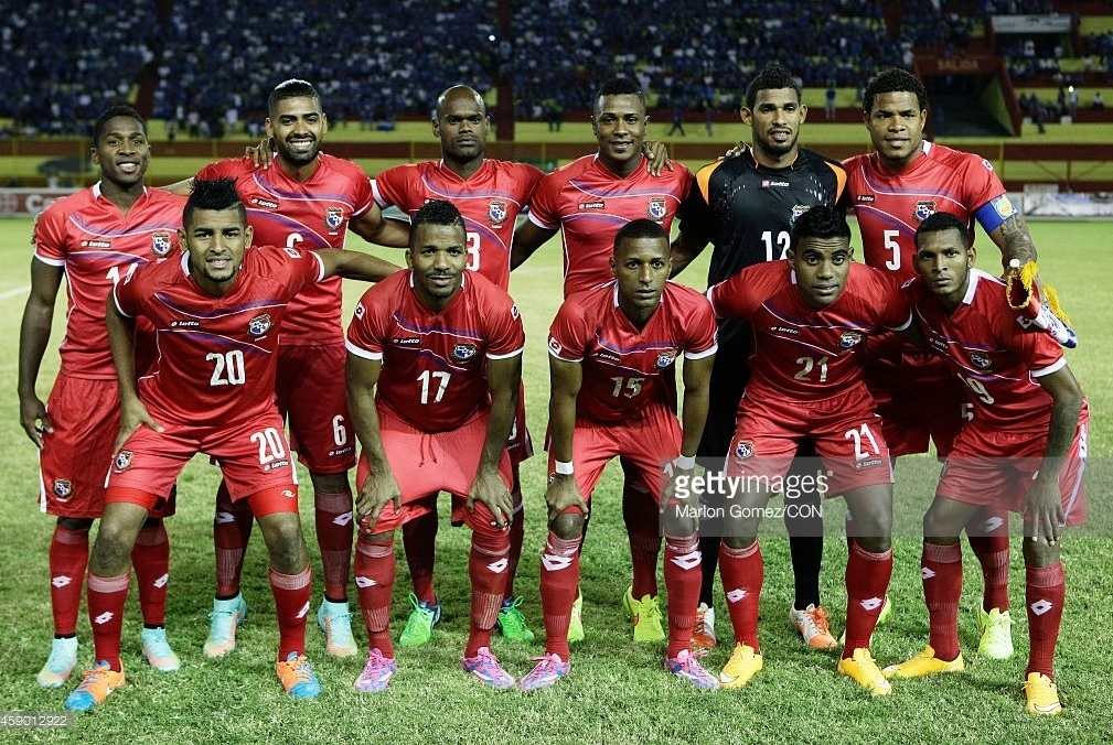 Panama-2014-15-lotto-home-kit-red-red-red-line-up.jpg