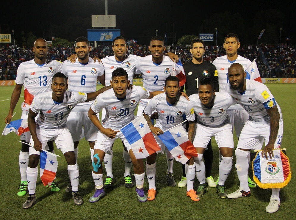 Panama-2015-NEW-BALANCE-away-kit-white-white-white-line-up.jpg