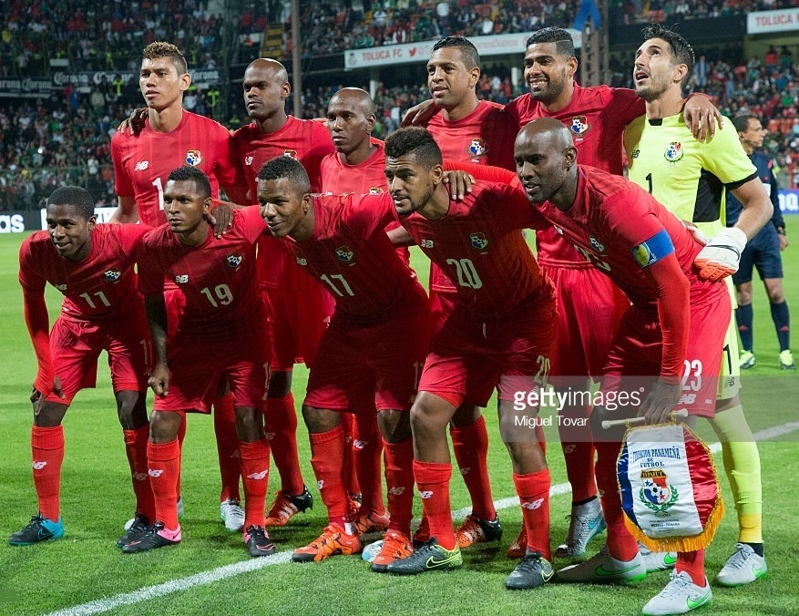 Panama-2015-NEW-BALANCE-home-kit-red-red-red-line-up.jpg
