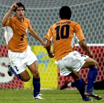 Paraguay-02-04-PUMA-uniform-orange-white-blue.JPG