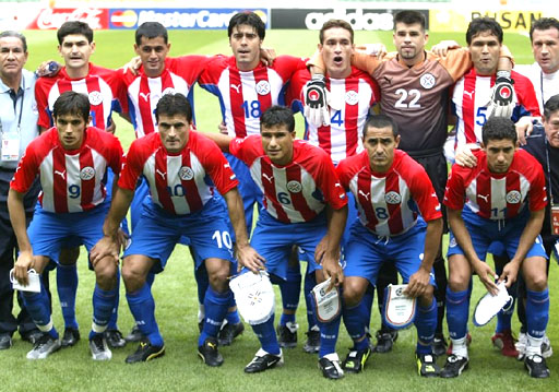 Paraguay-02-04-PUMA-uniform-stripe-blue-blue-group.JPG