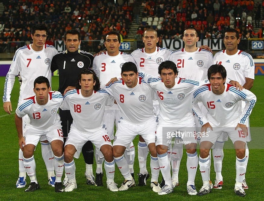 Paraguay-07-09-adidas-away-kit-white-white-white-line-up.jpg