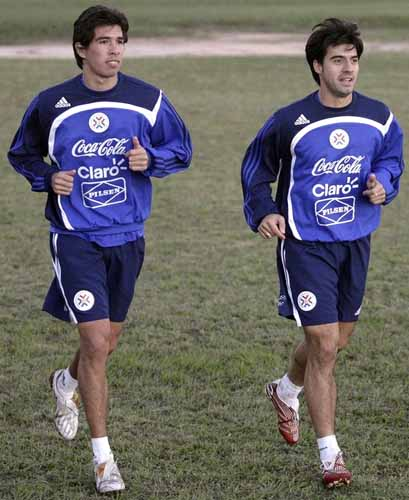 Paraguay-09-adidas-training-blue-navy-white.JPG