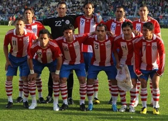 Paraguay-10-11-adidas-home-kit-stripe-blue-stripe-pose.JPG