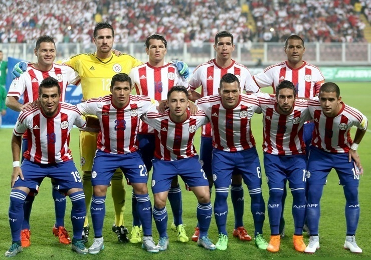 Paraguay-14-15-adidas-home-kit-stripe-blue-blue-group-photo.jpg