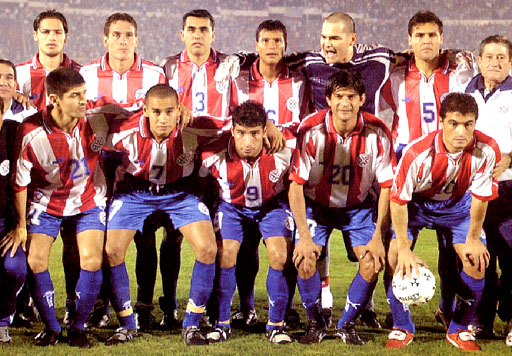 Paraguay-99-02-PUMA-uniform-stripe-blue-blue-group.JPG