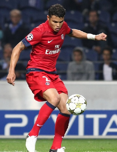 Paris-Saint-Germain-12-13-NIKE-second-kit-red-red-red.jpg
