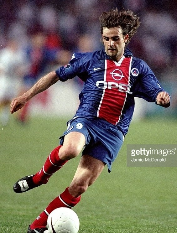 Paris-Saint-Germain-1998-99-NIKE-home-kit-Marco-Simone.jpg