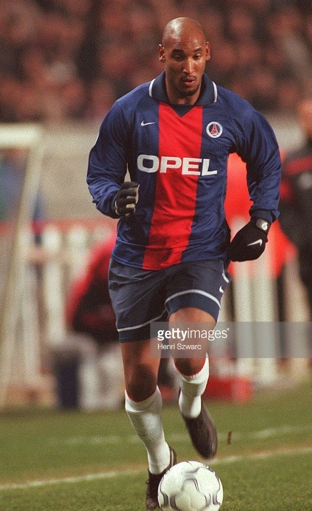 Paris-Saint-Germain-2000-01-NIKE-home-kit-Nicolas-Anelka.jpg