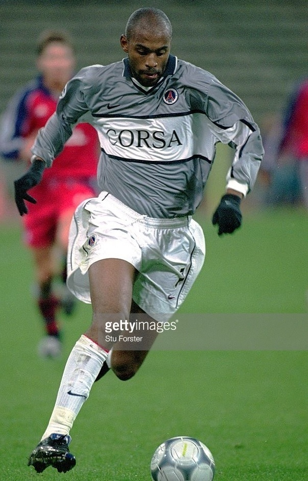 Paris-Saint-Germain-2000-01-NIKE-second-kit-Christian.jpg