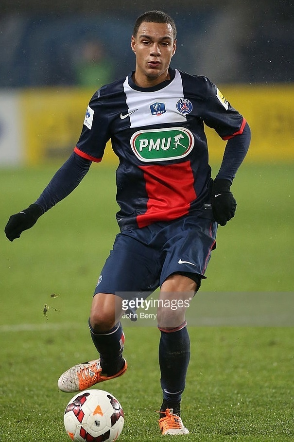 Paris-Saint-Germain-2013-14-home-kit-Gregory-van-der-Wiel.jpg