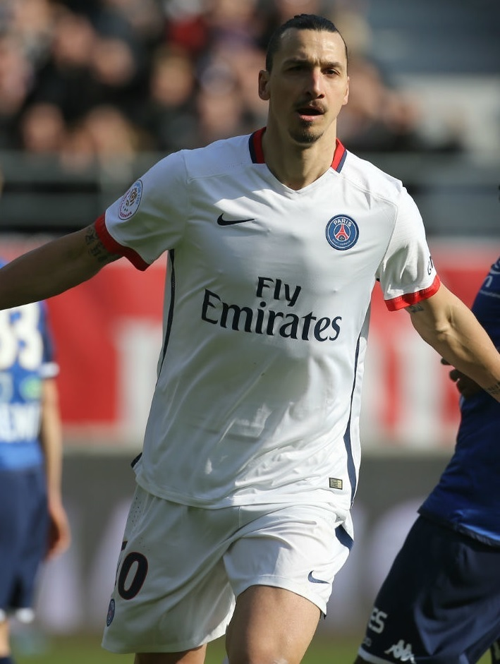 Paris-Saint-Germain-2015-16-NIKE-away-kit-Zlatan-Ibrahimovic.jpg