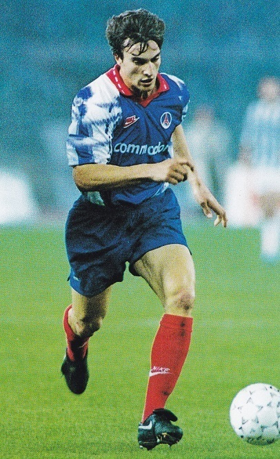 Paris-Saint-Germain-92-93-NIKE-first-kit-blue-blue-red.jpg