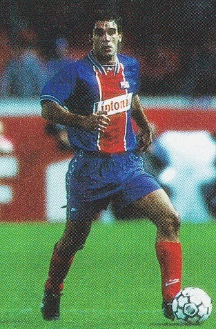 Paris-Saint-Germain-94-95-NIKE-CL-first-kit-blue-blue-red-Ricardo-Gomes-19940914-CL-バイエルン-2-0-パリ-Akira-Sato.jpg