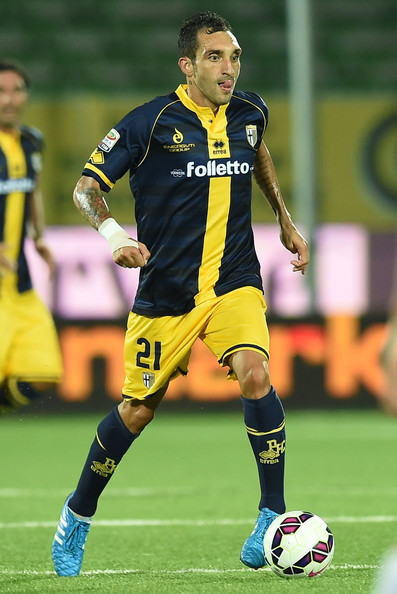 Parma-14-15-errea-second-kit-navy-yellow-navy-Francesco-Lodi.jpg
