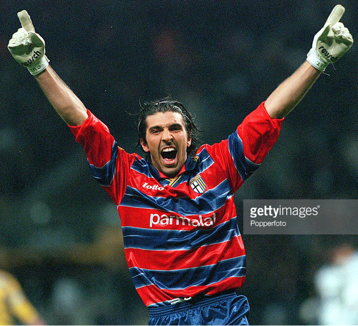 Parma-1998-99-lotto-GK-kit-Buffon.png