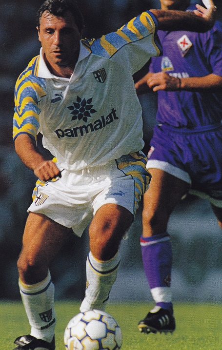 Parma-95-96-PUMA-away-kit-white-white-white.jpg