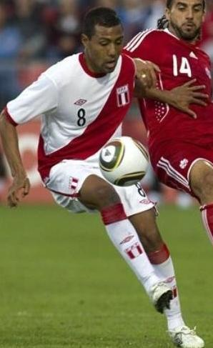 Peru-10-11-UMBRO-home-kit-white-white-white.JPG