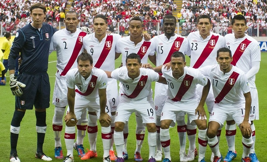 Peru-11-12-UMBRO-home-kit-white-white-white-line-up.jpg