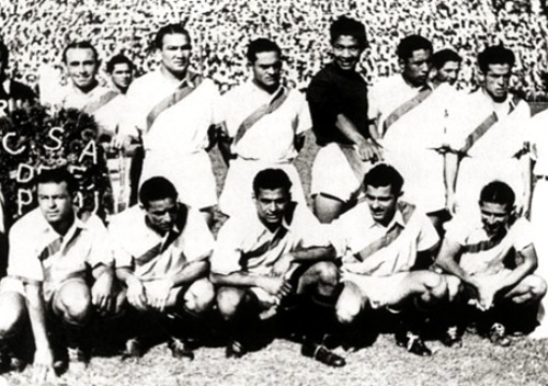 Peru-1939-copa-america-home-kit-white-white-white-line-up.jpg