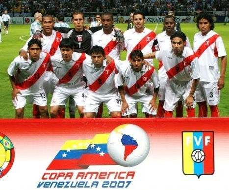 Peru-2007-walon-copa-america-home-kit-white-white-red-line-up.jpg