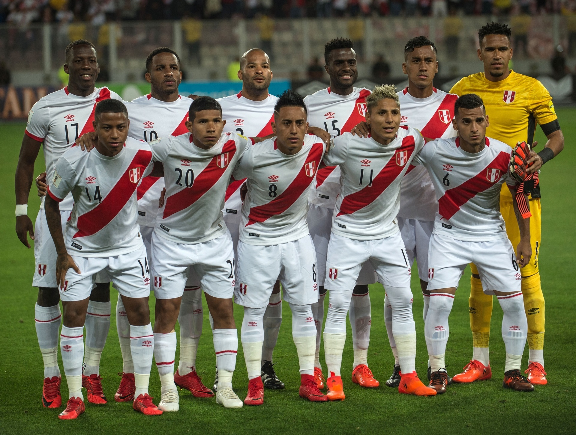 Peru-2015-16-umbro-home-kit-white-white-white-line-up.jpg