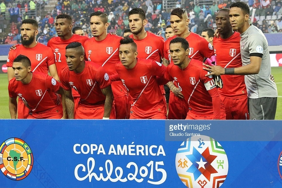 Peru-2015-umbro-away-kit-red-red-red-line-up.jpg