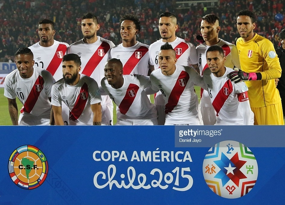 Peru-2015-umbro-copa-america-home-kit-white-white-red-line-up.jpg
